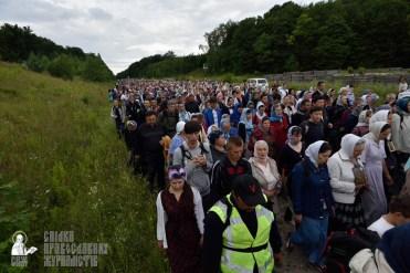 easter_procession_ukraine_pochaev_0255