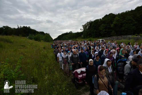 easter_procession_ukraine_pochaev_0259