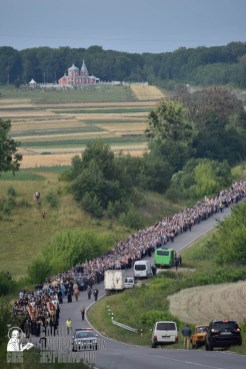 easter_procession_ukraine_pochaev_0288