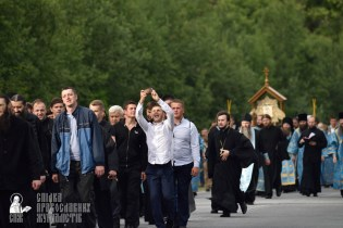 easter_procession_ukraine_pochaev_0296
