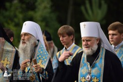 easter_procession_ukraine_pochaev_0300