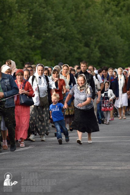 easter_procession_ukraine_pochaev_0305