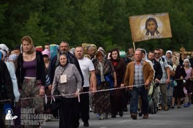 easter_procession_ukraine_pochaev_0309