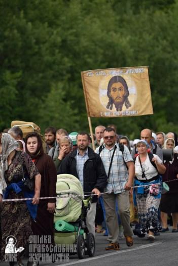 easter_procession_ukraine_pochaev_0311