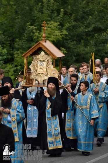 easter_procession_ukraine_pochaev_0320