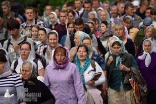 easter_procession_ukraine_pochaev_0326