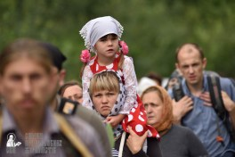 easter_procession_ukraine_pochaev_0330