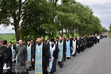 easter_procession_ukraine_pochaev_0349