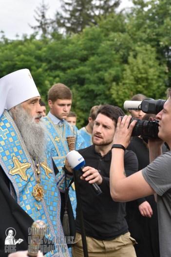 easter_procession_ukraine_pochaev_0370