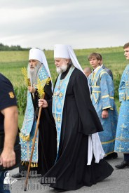 easter_procession_ukraine_pochaev_0406