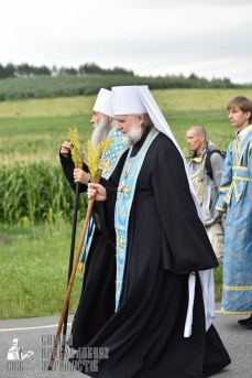 easter_procession_ukraine_pochaev_0408