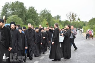 easter_procession_ukraine_pochaev_0412