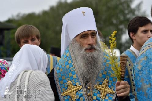 easter_procession_ukraine_pochaev_0414