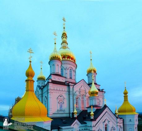 easter_procession_ukraine_pochaev_sr_0006