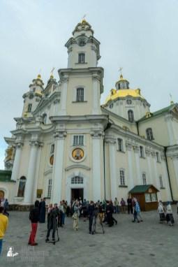 easter_procession_ukraine_pochaev_sr_0012