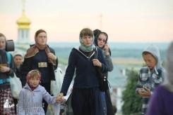 easter_procession_ukraine_pochaev_sr_0020