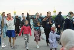 easter_procession_ukraine_pochaev_sr_0021