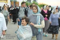 easter_procession_ukraine_pochaev_sr_0030