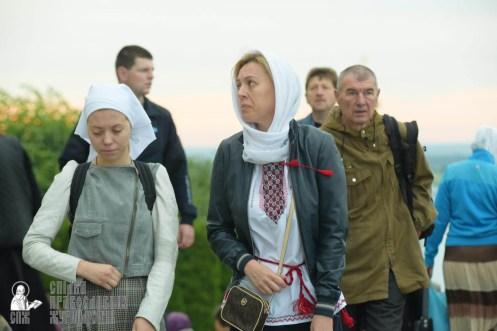 easter_procession_ukraine_pochaev_sr_0036