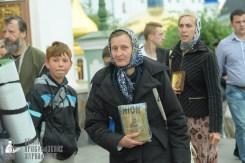 easter_procession_ukraine_pochaev_sr_0038