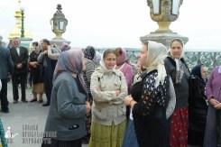 easter_procession_ukraine_pochaev_sr_0051