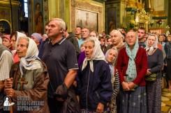 easter_procession_ukraine_pochaev_sr_0067