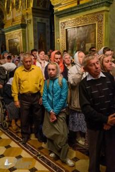 easter_procession_ukraine_pochaev_sr_0079