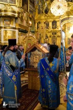 easter_procession_ukraine_pochaev_sr_0083