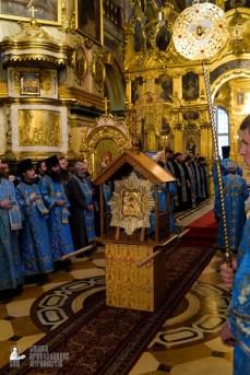 easter_procession_ukraine_pochaev_sr_0085