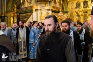 easter_procession_ukraine_pochaev_sr_0089