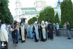 easter_procession_ukraine_pochaev_sr_0097
