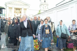 easter_procession_ukraine_pochaev_sr_0110