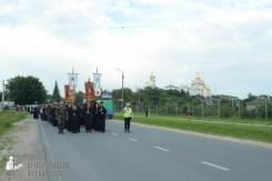 easter_procession_ukraine_pochaev_sr_0132