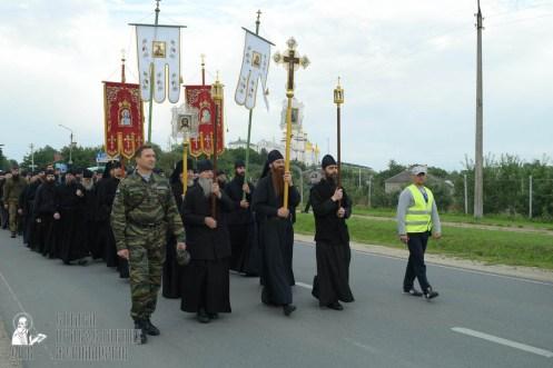 easter_procession_ukraine_pochaev_sr_0134