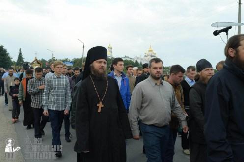easter_procession_ukraine_pochaev_sr_0145
