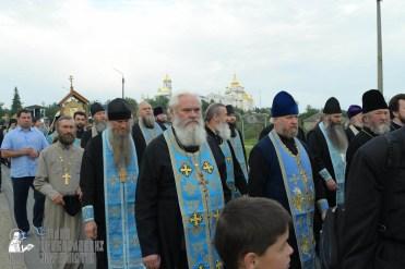 easter_procession_ukraine_pochaev_sr_0146