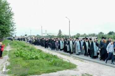 easter_procession_ukraine_pochaev_sr_0158