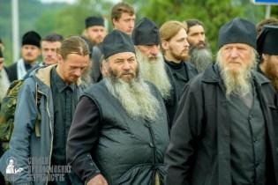 easter_procession_ukraine_pochaev_sr_0167