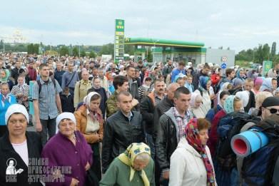 easter_procession_ukraine_pochaev_sr_0184