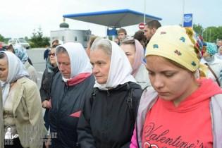 easter_procession_ukraine_pochaev_sr_0192