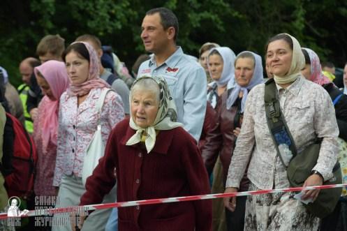 easter_procession_ukraine_pochaev_sr_0221
