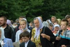 easter_procession_ukraine_pochaev_sr_0225