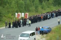 easter_procession_ukraine_pochaev_sr_0258