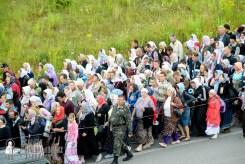 easter_procession_ukraine_pochaev_sr_0289