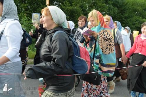 easter_procession_ukraine_pochaev_sr_0324