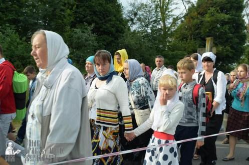 easter_procession_ukraine_pochaev_sr_0343