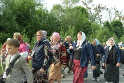 easter_procession_ukraine_pochaev_sr_0351