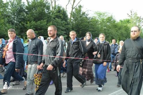 easter_procession_ukraine_pochaev_sr_0357