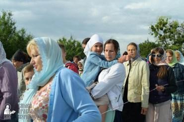 easter_procession_ukraine_pochaev_sr_0377
