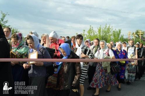 easter_procession_ukraine_pochaev_sr_0398